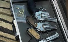 Kiểm tra một căn nhà cấp 4, bất ngờ phát hiện nhiều súng, lựu đạn và hơn 10kg ma túy