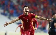Trao danh hiệu cầu thủ xuất sắc nhất trận đấu Việt Nam - Malaysia cho Quế Ngọc Hải tại UAE