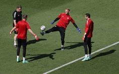 Xứ Wales - Thụy Sĩ (hiệp 1) 0-0: Chờ Bale tỏa sáng!