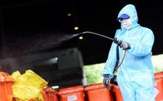 Công nhân vận chuyển rác thải y tế - những chiến sĩ chống dịch thầm lặng