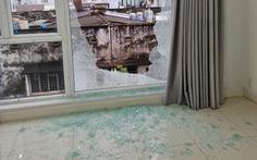Căn nhà ở phường Tân Định bị bắn bể kính nhiều lần do 'dịch rảnh quá mua ná về tập'?