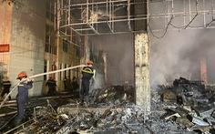 Dân đang xem Euro nghe tiếng nổ, phòng trà lớn cháy dữ dội nửa đêm