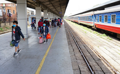 Chạy lại 2 đoàn tàu khách SE2, SE4 tuyến đường sắt Hà Nội - TP.HCM
