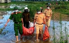 Chung tay thu hoạch hoa màu bị ngập úng cho người dân vùng phong tỏa