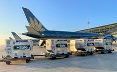 Gần 1 triệu liều vắc xin COVID-19 do Nhật tặng bay 'hỏa tốc' từ Hà Nội vào TP.HCM