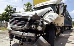 Cảnh sát rượt đuổi tài xế ngáo đá như phim hành động, dùng cả ôtô chặn đường