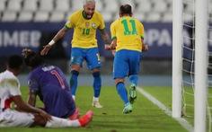 Neymar lập công giúp Brazil thắng '4 sao'