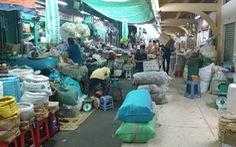 Chợ ế, các tiểu thương bán hàng qua Zalo, 'tiền vào tài khoản là hàng ship tận nhà'