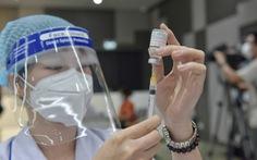 TP.HCM: Thêm Phú Nhuận, Cần Giờ, quận 5 tiêm xong vắc xin mũi 1, chuẩn bị tiêm mũi 2