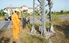 Tuyến đường dây 22 kV bị tháo trộm hơn 32 thanh giằng