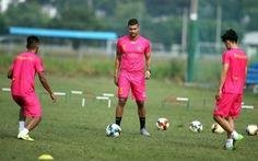 Trung vệ Brazil của CLB Sài Gòn 'cầu cứu' VFF