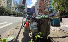 Công nhân môi trường bị nợ lương phải lượm ve chai kiếm sống đã được trả một phần lương