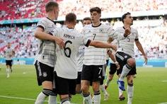 Ronaldo ghi bàn nhưng Bồ Đào Nha sụp đổ sau 2 pha phản lưới nhà trong 4 phút