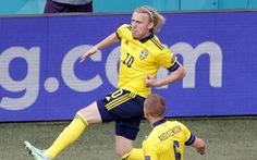 Slovakia - Tây Ban 0-1, Thụy Điển - Ba Lan 1-0: Thủ môn Slovakia phản lưới