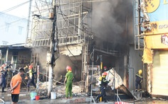 Trung tâm điện máy ở Phú Yên bị lửa thiêu rụi lúc sáng sớm