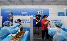 Trung Quốc nâng mục tiêu miễn dịch cộng đồng lên 80-85% dân số