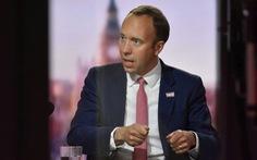 Bộ trưởng y tế Anh từ chức sau bê bối ôm hôn nữ trợ lý