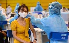 TP.HCM tổ chức nhiều địa điểm và xe tiêm vắc xin lưu động