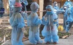 Phú Yên lên tiếng về hình ảnh những trẻ em mặc đồ bảo hộ đi cách ly tập trung