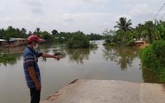 Đường xuống sông Rạch Gầm sạt mất 70 mét, đe dọa sụp thêm