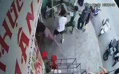 Lên Facebook kêu ca cúp điện, người thân giám đốc công ty điện Thanh Hải kéo đến hành hung