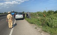 Công an 'hộ tống' xe chở 6 người Trung Quốc trên quốc lộ 1 nghi nhập cảnh trái phép