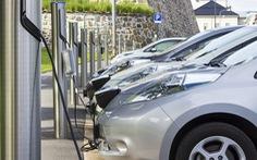 Doanh số xe điện tăng làm quan ngại về an toàn giao thông