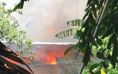 Cháy lớn quán bánh canh, người tụ tập xem bị phường nhắc nhở