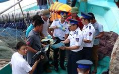 Dùng cả tàu quân sự để chống khai thác hải sản bất hợp pháp