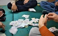 Bắt quả tang một nhóm nhà báo đánh bạc