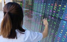 Tiền đổ vào chứng khoán giảm mạnh, VN-Index vẫn chưa vượt ngưỡng 1.300 điểm
