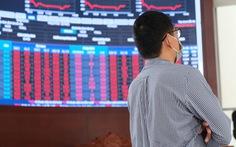 'Cay mắt' nhìn cổ phiếu nhóm Louis mất thanh khoản, nhà đầu tư 'mắc kẹt'