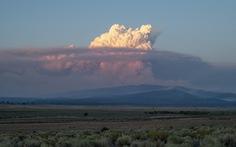 Cháy rừng lan rộng tại Mỹ và Canada