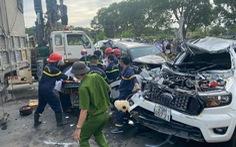 Tai nạn liên hoàn trên quốc lộ 1A làm nhiều xe biến dạng, 1 người chết, nhiều người bị thương