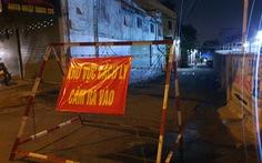 TP.HCM: Cháy nhà trong hẻm phong tỏa COVID-19, một người chết