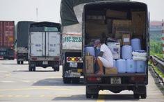 Hơn 800 công nhân công ty may tại Hải Dương xin nghỉ hoặc đến muộn vì tắc đường