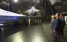 Ông Putin thị sát tiêm kích tàng hình 'Chiếu tướng' có thể cạnh tranh F-35 của Mỹ