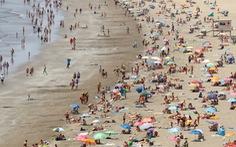 Hơn 80% ca COVID-19 mới ở Tây Ban Nha là người chưa tiêm chủng