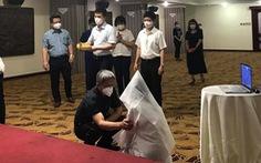 Đang lấy mẫu xét nghiệm tại TP.HCM, nữ sinh viên Bắc Giang nghe tin cha đột ngột qua đời