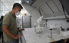 Bộ Y tế hỗ trợ Đà Nẵng máy xét nghiệm COVID, xe tiêm vắc xin lưu động