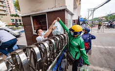 Hà Nội tạm dừng shipper giao hàng, chở khách bằng xe máy, xe công nghệ