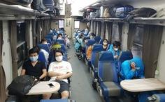 Tàu dừng đón, trả khách tại ga Hà Nội, chuyến bay từ Tân Sơn Nhất ra Nội Bài gián đoạn