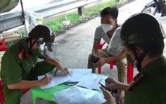 Gia đình 3 người từ TP.HCM 'đi chui' xe cứu thương trốn chốt kiểm dịch COVID-19