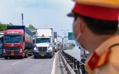 Lúng túng trong vận tải vì xác định 'hàng hóa thiết yếu'