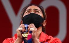 Nữ lực sĩ 'vàng' của Philippines được thưởng 15 tỉ đồng và 1 căn nhà