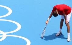 """Bị hối thúc thi đấu dưới nắng nóng, Daniil Medvedev: """"Tôi chết ai chịu trách nhiệm?"""""""