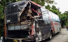 Ngủ dưới lề đường, 18 công nhân Ấn Độ bị xe tải tông chết