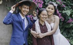 Cặp đôi 'Ẩm thực mẹ làm' gây sốt khi chụp ảnh cưới tại nhà
