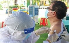 Bộ Y tế đề nghị TP.HCM tăng tốc tiêm vắc xin COVID-19