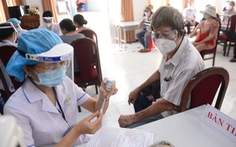 Bộ Y tế yêu cầu TP.HCM không giới hạn số người tiêm vắc xin mỗi ngày